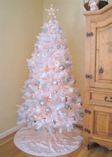 white decorations for a tree 60 most popular tree decorations ideas a diy