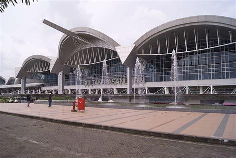 upg sultan hasanuddin int l airport makassar south sultan hasanuddin international airport wikidata