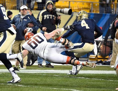 nfl players bench press sean hickey has best nfl combine bench press performance ever among ex syracuse