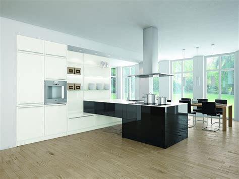 Moderne Küche Weiß by K 252 Che Wei 223 Grau