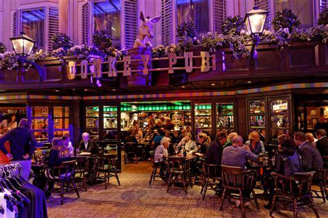 the color lounge bars lounges color kreuzfahrtschiff bilder
