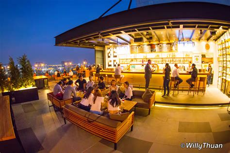 Top Roof Bar Brewski Rooftop Bar At Radisson Bangkok Updated