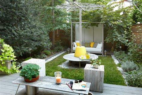 Cool Ideas For Backyard Cool Small Backyard Ideas