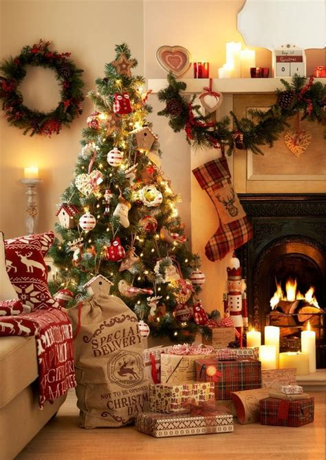 when should you put up your christmas decorations uk