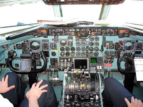 file dc 9 cockpit jpg wikimedia commons