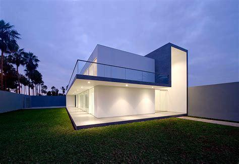 imagenes minimalismo arquitectura casa minimalista en lima dise 241 ada por javier artadi