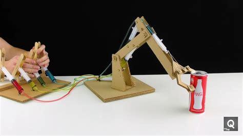 cara membuat aneka mainan dari kardus cara membuat robot dari kardus mainan anak kreatif youtube