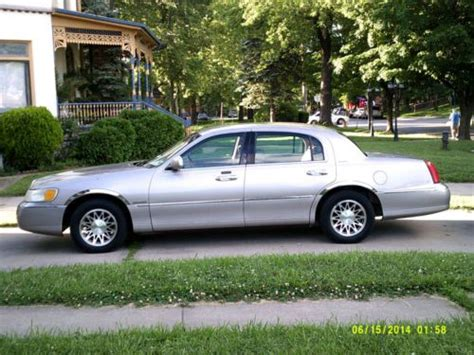 how do i learn about cars 2001 lincoln ls security system buy used 2001 lincoln town car signature sedan 4 door 4 6l in kansas city missouri united states