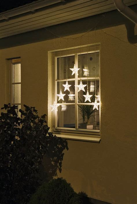 how to decorate exterior windows for christmas
