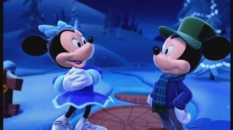 mickeys    christmas sarahplove image  fanpop