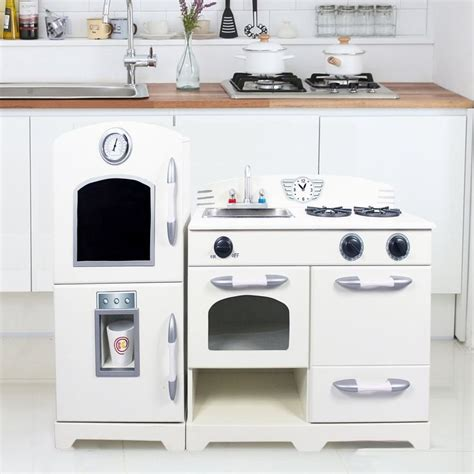 Teamson Play Kitchen by 1000 Ideas About Wooden Play Kitchen Sets On