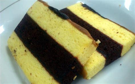 loyang lapis surabaya lapis surabaya per loyang bisa dipesan di toko kue ini