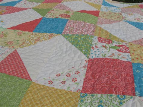 quilt pattern using charm packs charm party quilt pillow tutorial 627handworks