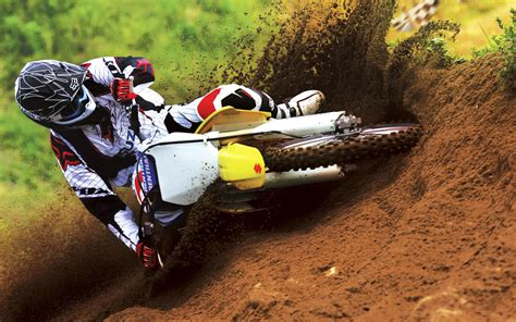 motocross racing wallpaper suzuki motocross bike race wallpapers hd wallpapers id