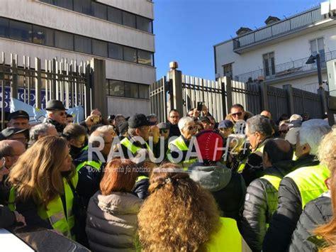 banco popolare di ragusa agricola di ragusa la protesta dei gilet gialli