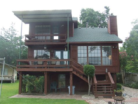 lake conroe rentals with boat dock your vacation home on the lake with its own dock lake