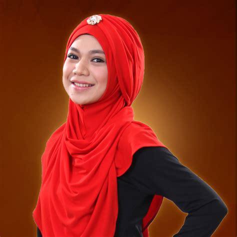 biodata hanin dhiya rising star indonesia profil dan biografi indah nevertari finalis rising star