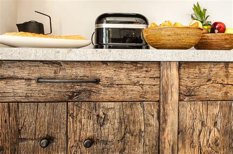meuble cuisine facade bois chene ancien laurent passe