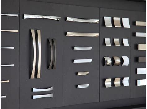 produzione maniglie per mobili maniglia design con speciale illusione prospettica