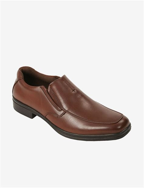 deer stags fit casual slip on shoes men s stage stores
