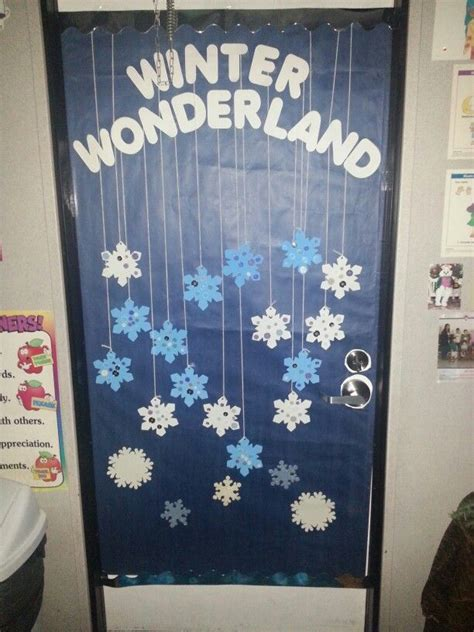 Winter School Decorations by Best 25 Preschool Door Ideas On Preschool