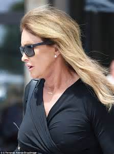 hairstyle for people who wear hearing aids caitlyn jenner wears hearing aid while out and about in
