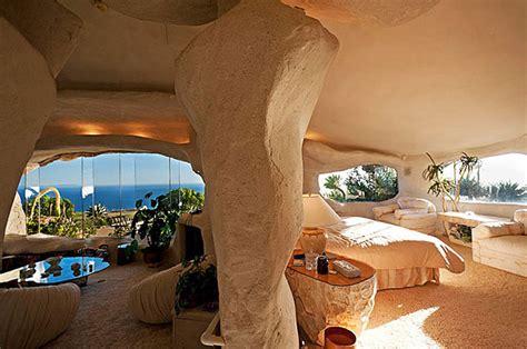 dick clark flintstone house photos wonen als fred en wilma flintstone in dit bijzondere huis