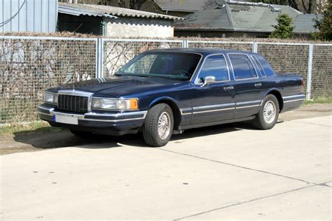 town ford lincoln ford lincoln towncar 1990 5 0 liter aufnahme vom 8 april