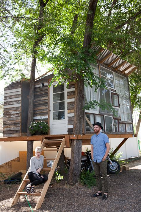 a modern treehouse say yes