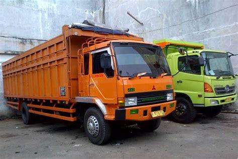 Box Sepatu Trans sewa truk surabaya bandung pt smb trans logistik indonesia