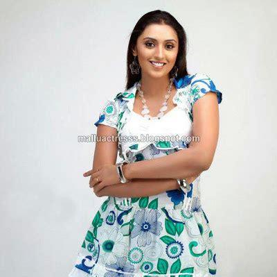 malayalam film yakshiyum njanum actress name malayalam actress meghna nair profile wallpapers photo