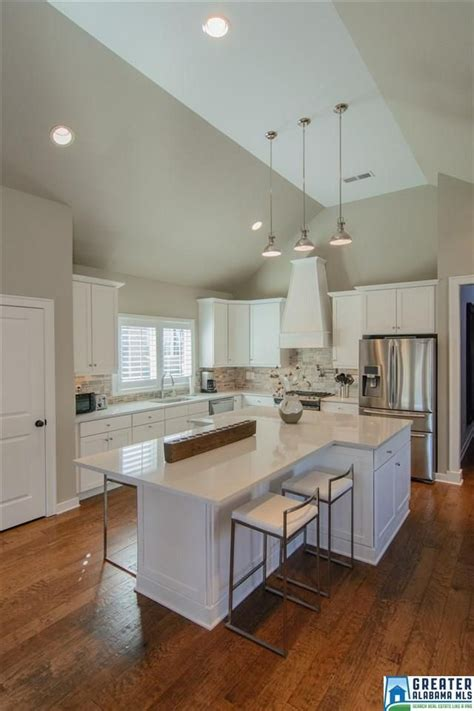 shaped kitchen islands the 25 best kitchen island shapes ideas on