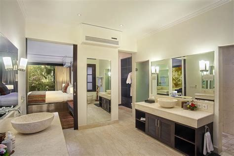 Master Bedroom Ensuite Pictures How To Make Your Master Bedroom A Bedroom Masterpiece