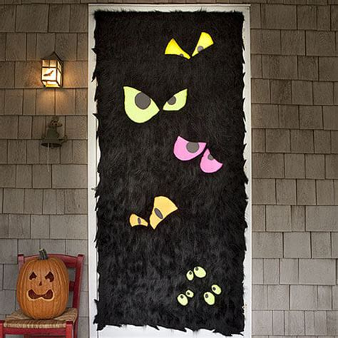 printable halloween door decorations 19 hauntingly awesome halloween door decorating ideas