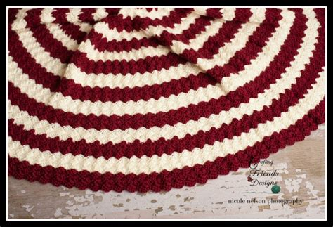 diamond christmas tree skirt crochet pattern