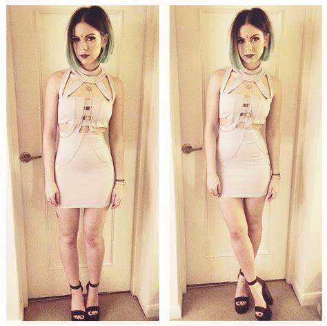 Hq 16696 Hollow Shoulder Dress out dress