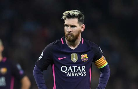 messi s barcelona can t afford lionel messi s new contract