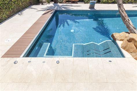 spa con un spa en la piscina lucas gunitec