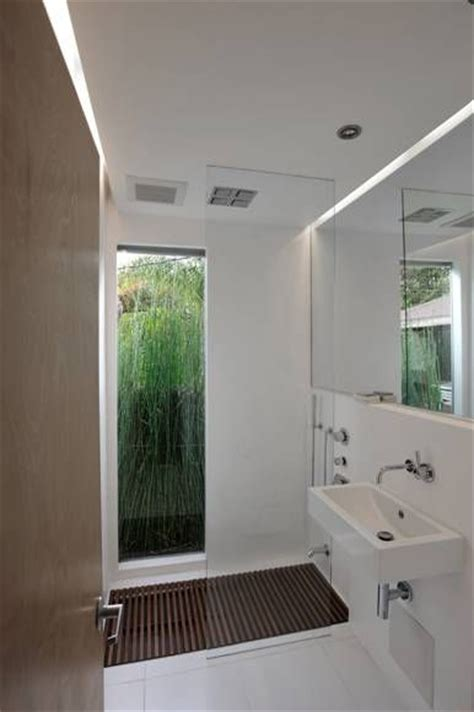 Floor Length Windows Ideas I Looooove The Length Window In The Bathroom Doors Window And Bath