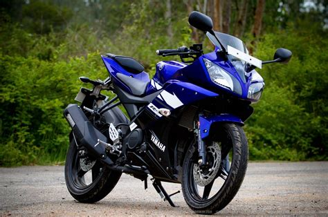 r15 new version motor byke pics yamaha to launch new version r15 v1 in india again