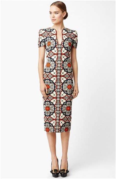 Fashion Dress Wanita Motif Bunga Bohemian 25 best ideas about batik dress on bird dress model dress batik and batik fashion