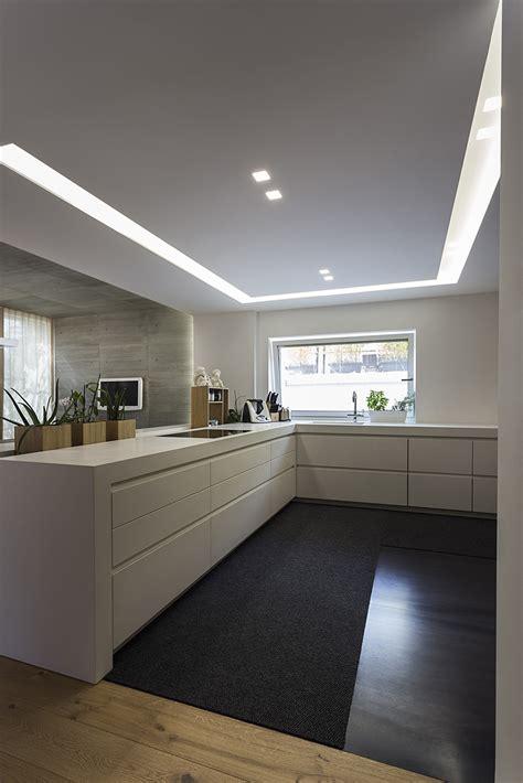 strisce led per illuminazione illuminare la cucina con strisce led e faretti architempore