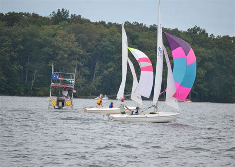 sailboats racing racing sailboat