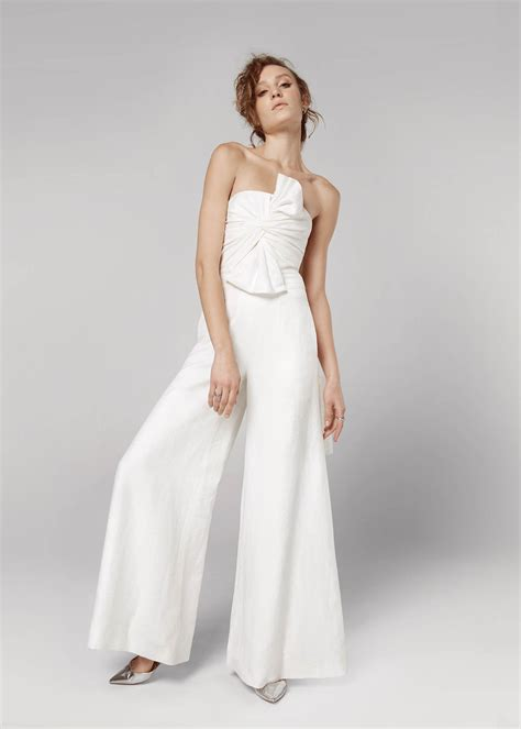 Wedding Dress Jumpsuit by Wedding Day Jumpsuits For Brides That Don T Do Dresses