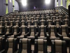 now open new sevierville theater governor s