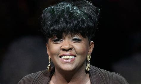 pictures of anita baker r b legend anita baker confirms retirement r b news