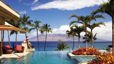 hawaii   girls  holiday escape
