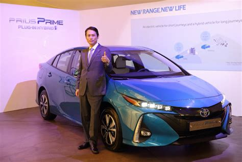 toyota korea launches prius in hybrid