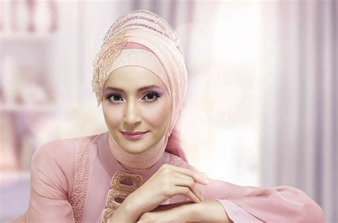 22 tutorial hijab ala dewi sandra vs fatin shidqia beautify yourself with hijab hijab style ineke koesherawaty