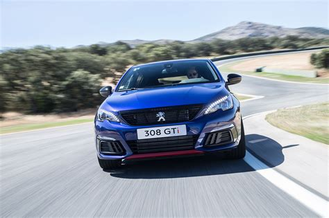 peugeot gti 2017 peugeot 308 gti facelift 2017 review by car magazine